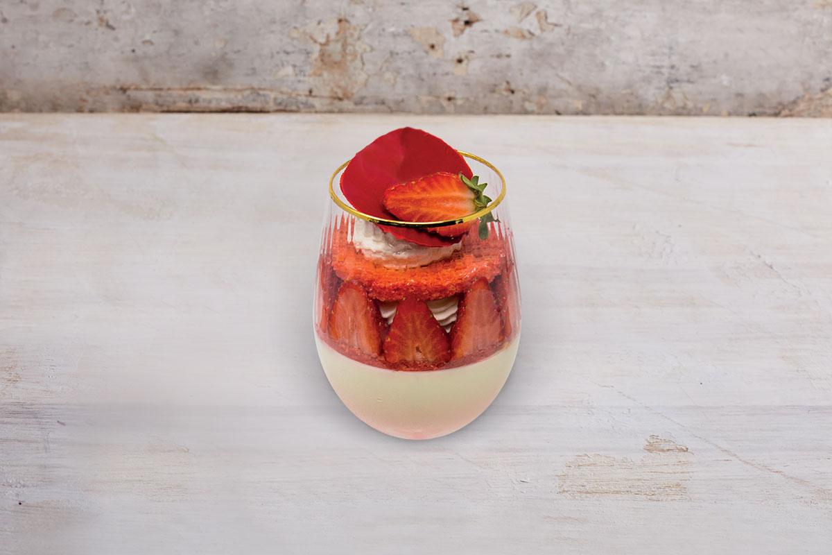 ricette bagnadolci maraschino calice panna vaniglia fragole savoiardo